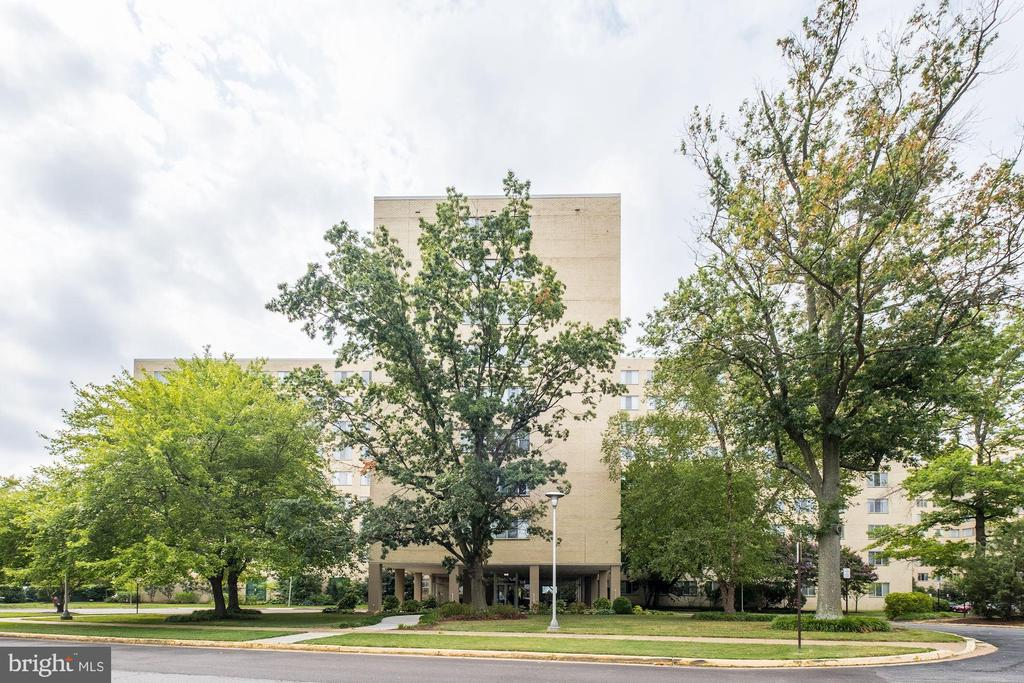6621 Wakefield Dr #220