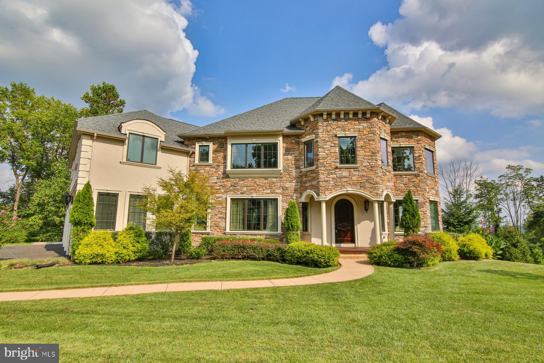 5010 MAJESTIC DRIVE, COOPERSBURG, PA 18036