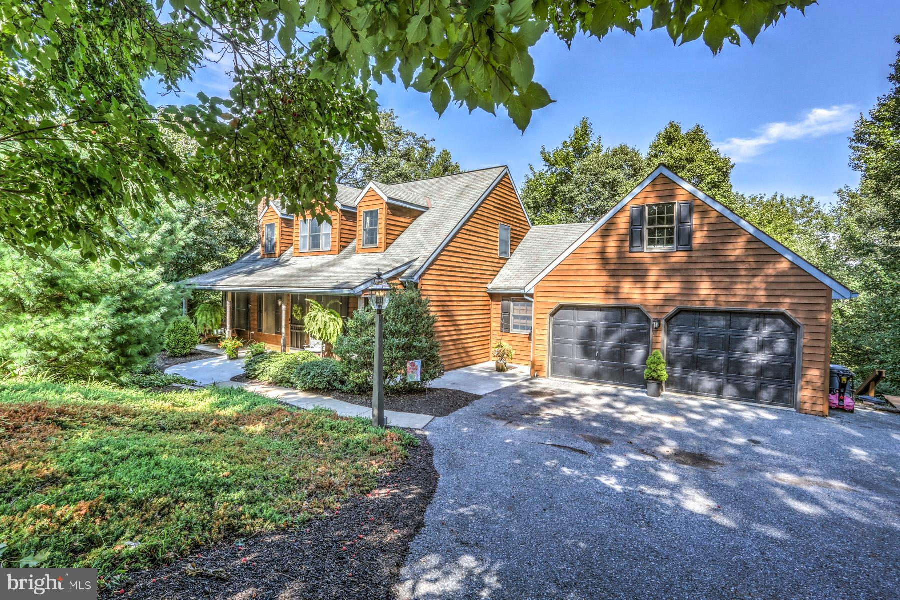 214 FOX ROAD, NEWMANSTOWN, PA 17073