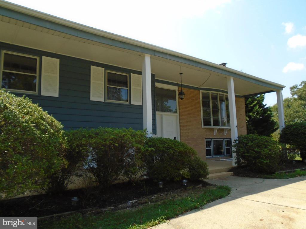 1121 Collingwood Rd