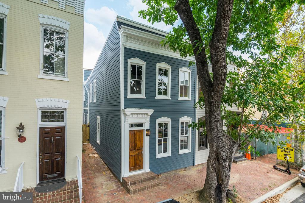 421 N COLUMBUS STREET, Alexandria, Virginia