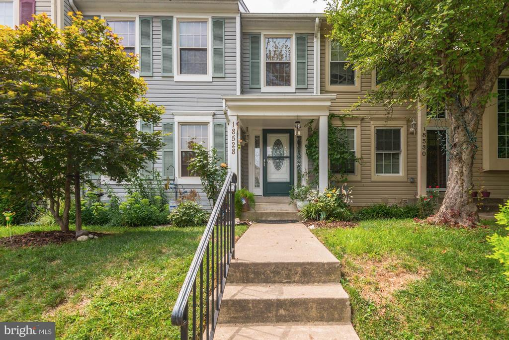18528  CHERRY LAUREL LANE, Gaithersburg in MONTGOMERY County, MD 20879 Home for Sale