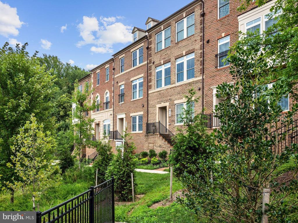 422  HYDRANGEA PLACE, Gaithersburg in MONTGOMERY County, MD 20878 Home for Sale