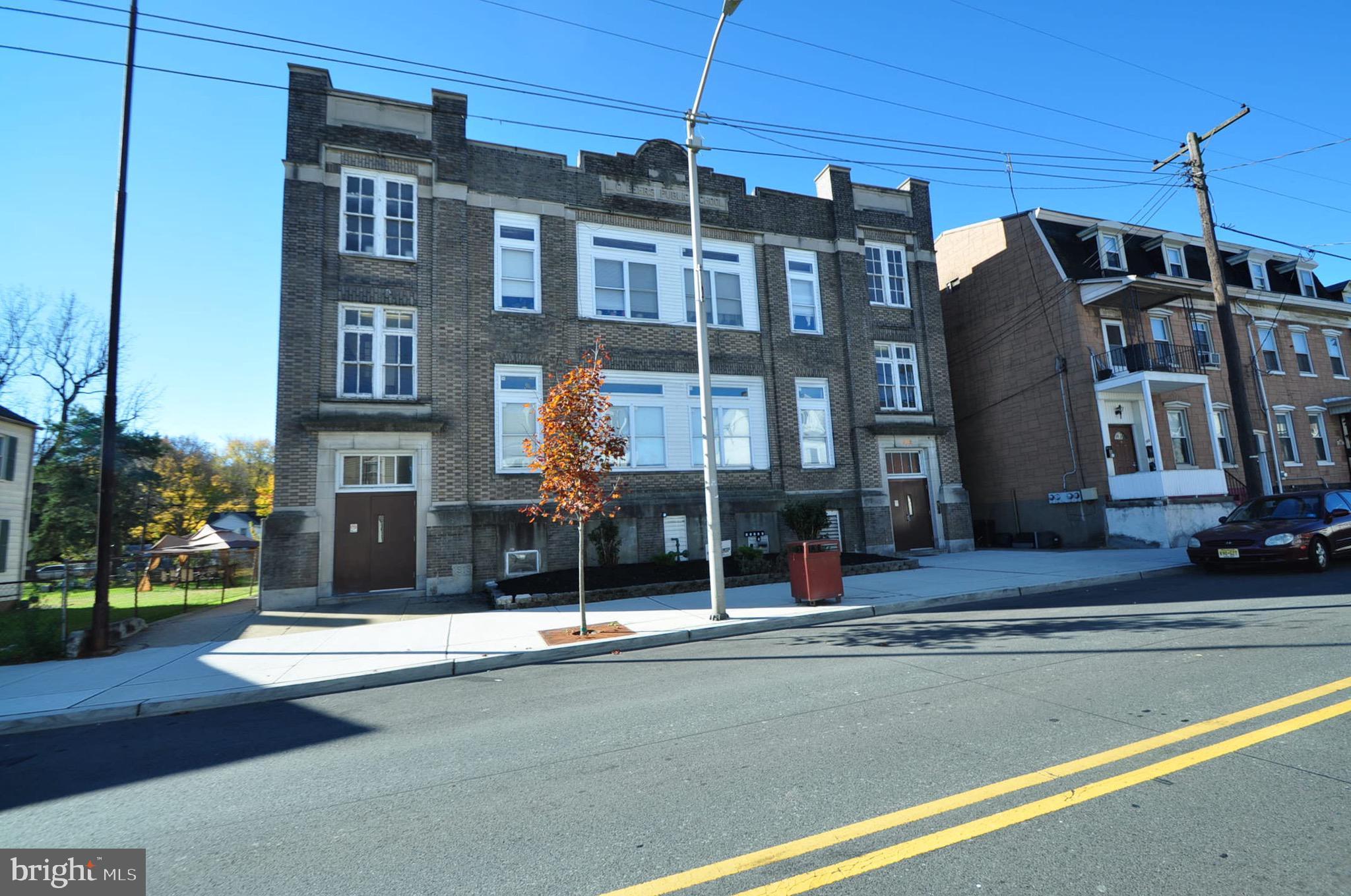 582 S MAIN STREET, PHILLIPSBURG, NJ 08865