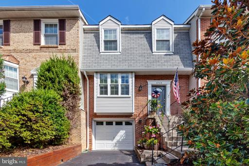 6706 Mockingbird Woods Ct, Lorton, VA 22079