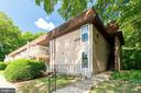 5804 Royal Ridge Dr #H