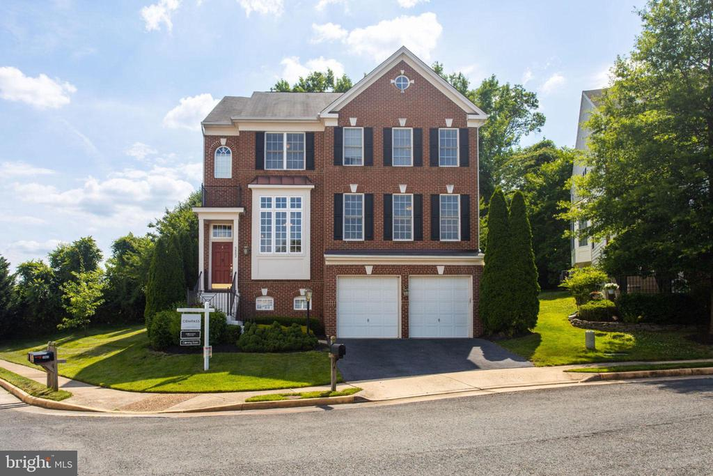 5862  GOVERNORS HILL DRIVE, Alexandria, Virginia