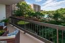 1805 Crystal Dr #411s