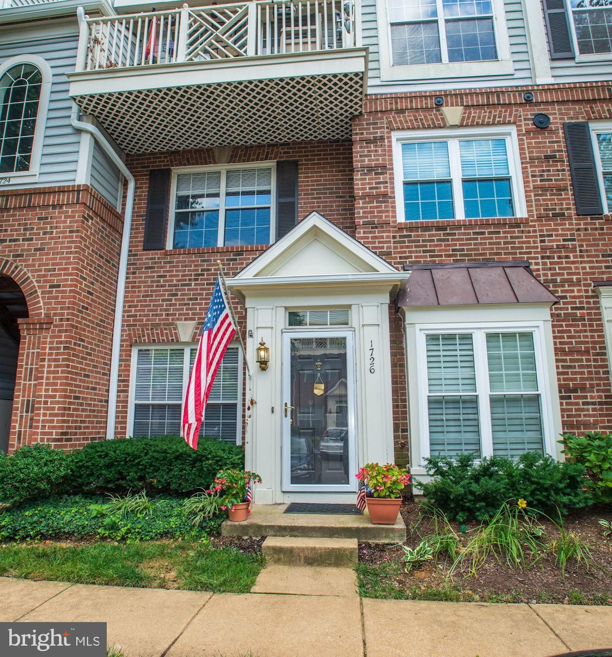5.3 miles to the new AMAZON HQ2! This END UNIT TOWN HOME is a total 10!  Updated Kitchen and bathrooms include high-end Stainless steel appliances, Gas cooking, new lighting.  OPEN floor plan with WOOD floors on main level!  Patio for grilling!  2 master suite on upper level with FULL sized laundry.  so much storage with pantry area and a walk-in closet.  Tons of visitor parking and 1 assigned space directly in front.  LOCATION, location, location just minutes to AMAZON HQ2, Shirlington Village, Old Town, Alexandria and Washington DC.  Shopping, restaurants and an abundance of activities just outside your door!  Pardon the dust while the parking lot is being repaved! This is a RELOCATION sale, please call/email Agent for information if submitting an offer!