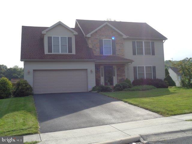 24 WESTGATE DRIVE, MOUNT HOLLY SPRINGS, PA 17065