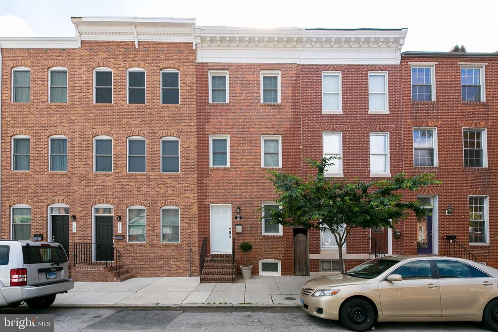 Federal Hill Rental 3 bedroom 3.5 baths 3-4 car. Granite Counters, Hardwoods throughout and attention to detail PARKING PAD. Come see me today