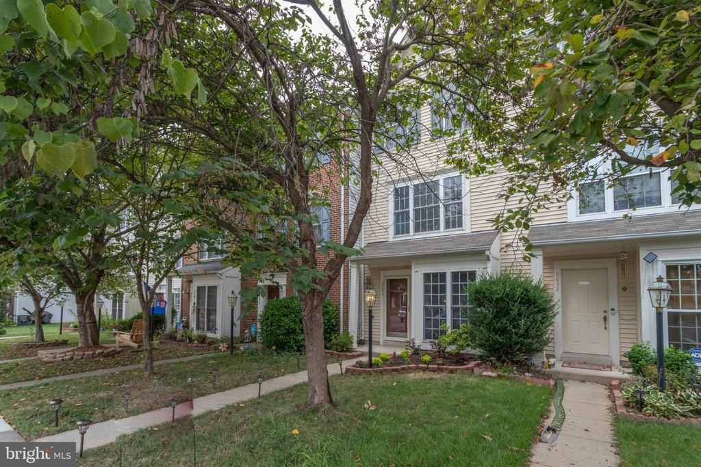 8854 STABLE FOREST PLACE #, BRISTOW VA 20136