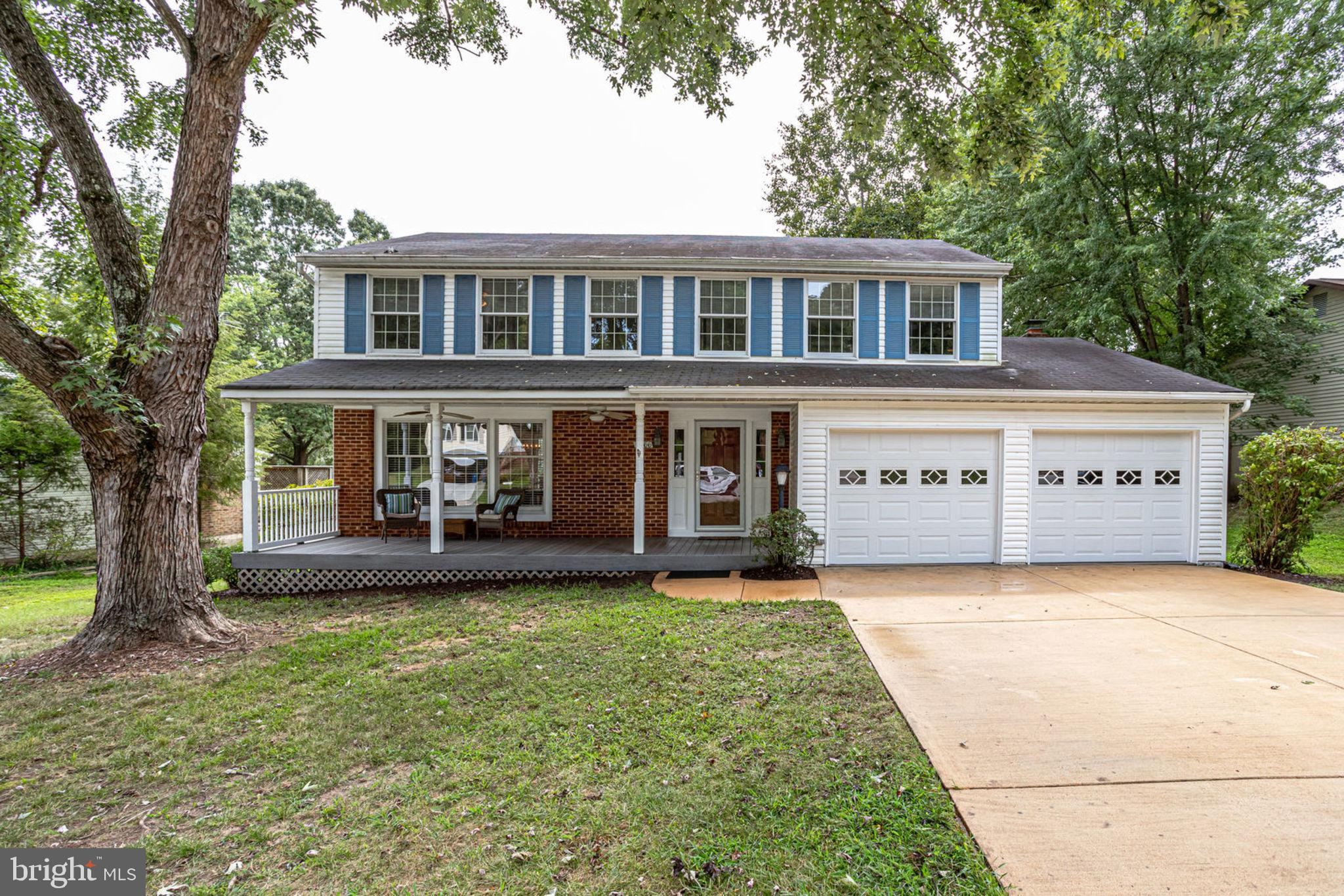 Searching for a property with the perfect combination of location and space? Bring your red slippers... You've come to the right place because there is no place like this home!  This stylish home features three finished levels with lots of natural light in the highly desirable Middle Valley neighborhood in West Springfield. The main level boasts an open floor plan with dining and living adjacent to the kitchen that flows effortlessly into the nook and family room.  Large master suite includes walk-in closet, separate vanity area and newly tiled shower. Be amazed at the size of the three additional bedrooms on the upper level.  Don't forget about the walk-out lower level that includes a full bath and additional bedroom.  Work from home or enjoy the conveniences of the many commuting options available.