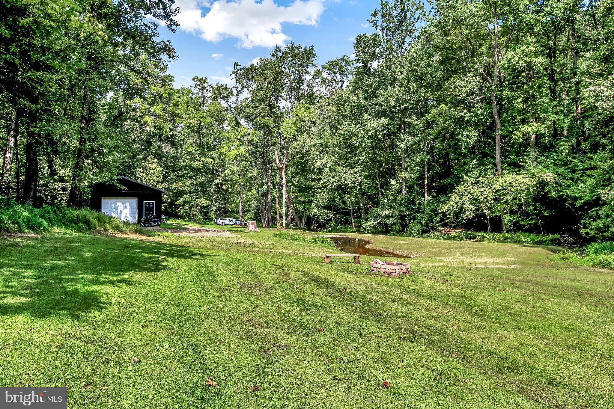 3210 DETTINGER ROAD, BROGUE, PA 17309