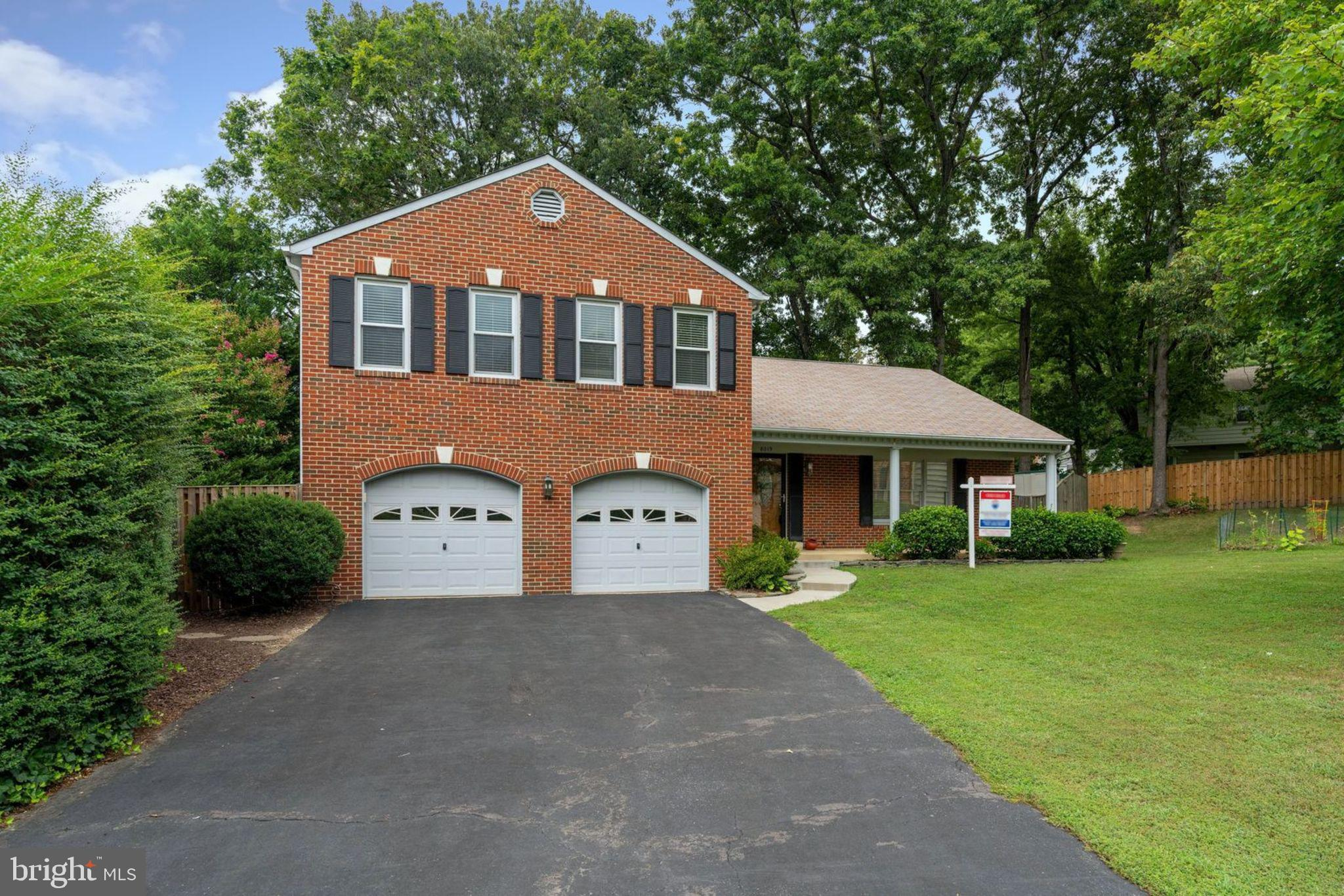 Stop the Car!  Spacious Light-Filled 4 Bedroom 2.5 bath Colonial  in Rolling Forest. Modern White Kitchen w/ Granite, Stainless Steel Appliances. Breakfast Area Opens to Sunken Family Room w/ Cozy Fireplace. Private Cul De Sac. 2 Car Garage & Long Driveway. West Springfield ES/Irving MS/West Springfield HS pyramid. Perfect location - close to FFX County Parkway, I-95 shopping and restaurants!  A MUST SEE!!