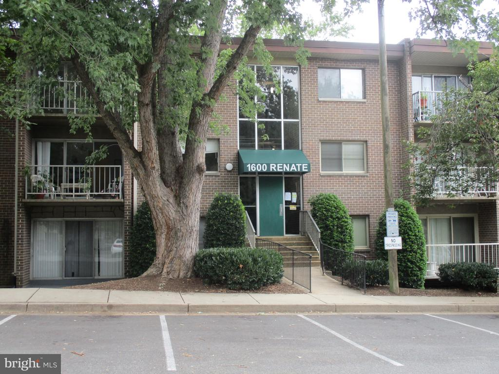 Photo of 1600 Renate Dr #201