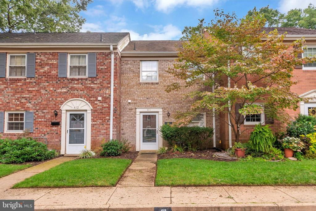 CITY GEM!  Tucked in a quiet wooded area near Alum Springs Park.  Two bedroom, 1/2 bath townhome that is move in ready.  Reduce your commute and be close to EVERYTHING!