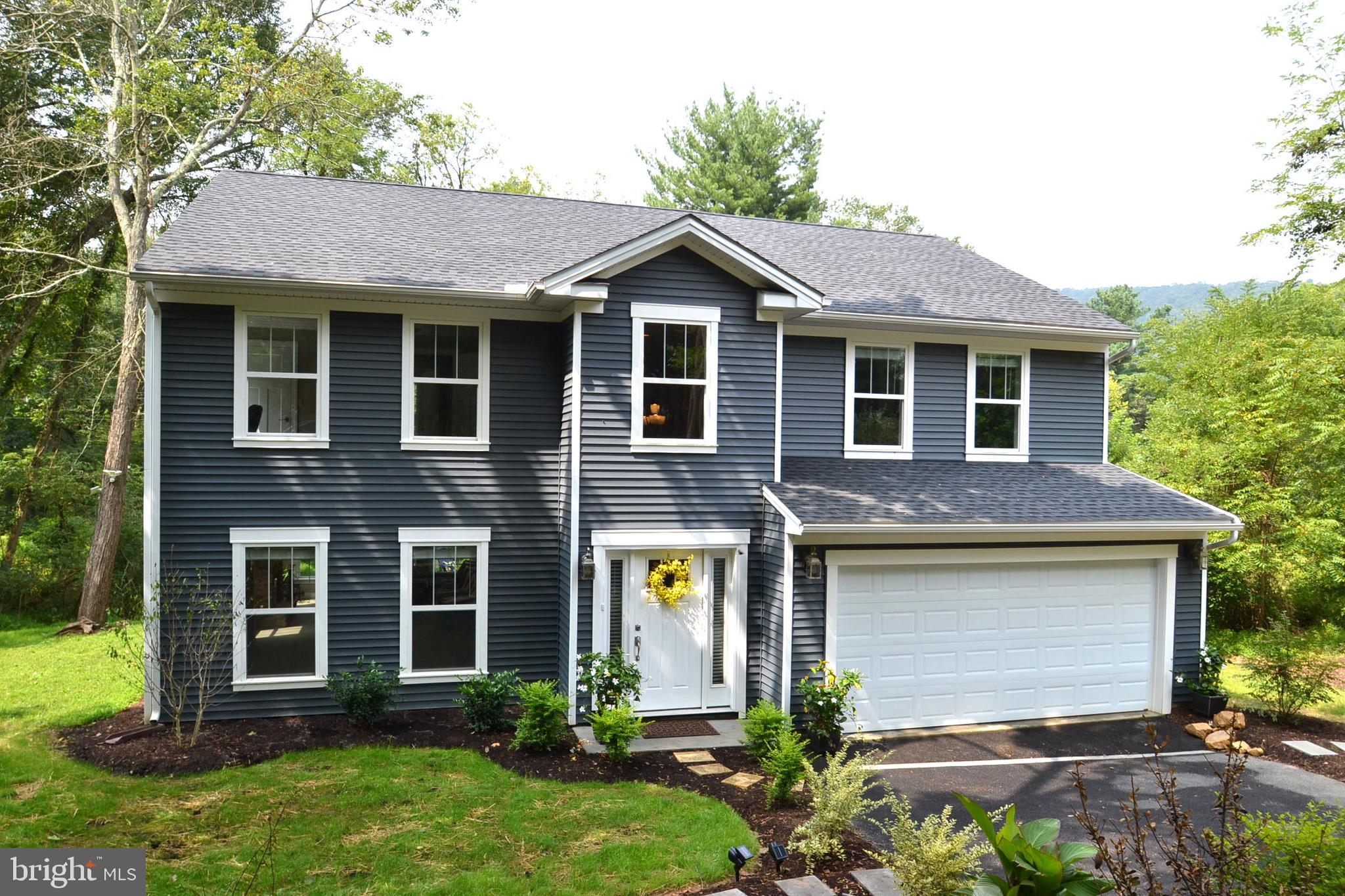 450 S BALTIMORE AVENUE, MOUNT HOLLY SPRINGS, PA 17065