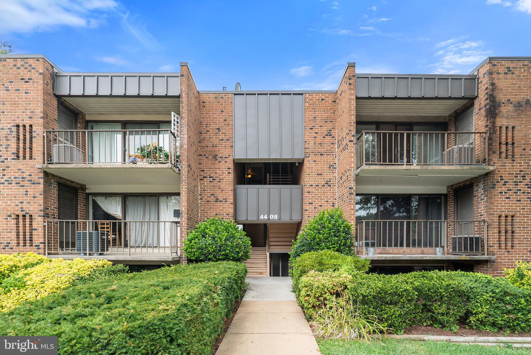 HUGE!!! 4 bed, 2 bath ground flr unit. With 1,760 sq ft of living space. Washer & Dryer in unit. 2 parking permits, plus free parking right outside patio door on Americana Dr. Secure Storage Unit. All utilities included in CONDO Fee except Elec.