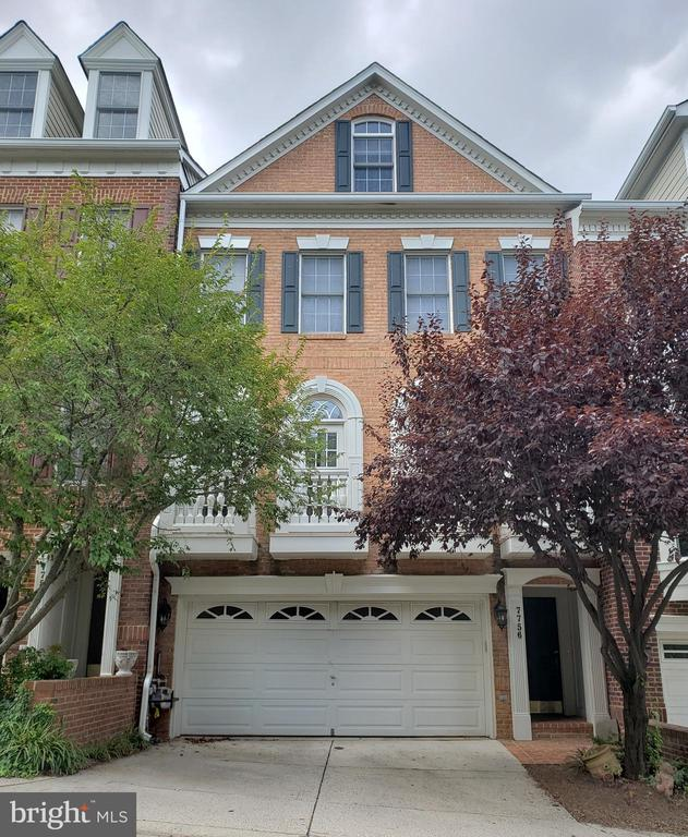 PRICE IMPROVED!!! DON'T MISS OUT ON THIS FABULOUS DEAL! Stunning Luxury all brick townhome in exclusive gated community, in the heart of McLean! This gorgeous home boasts 9' ceilings, dramatic circular staircase, Princness balconies, backyard patio, hardwood floors in basement, family room, dining room, and living room. Gourmet kitchen with top line appliances, 2 story Master suite with luxurious spa bath and sitting area. Close to 495, Tysons, 66 and Toll Road. A Commuter's Dream!Subject to third party approval.