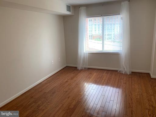 Photo of 2181 Jamieson Ave #706