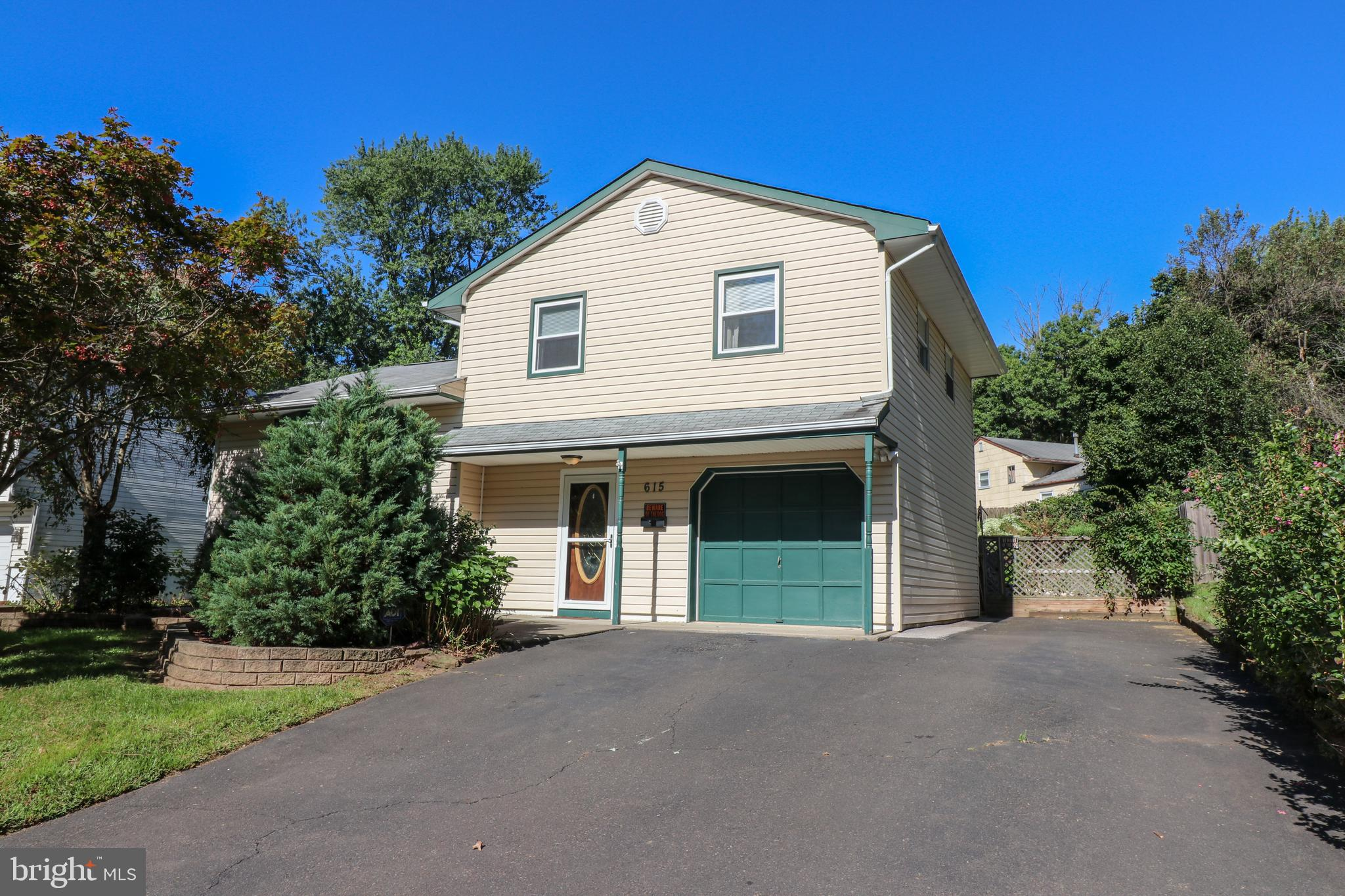 615 PARKWAY DRIVE, FAIRLESS HILLS, PA 19030