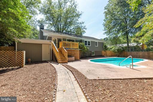 2414 Childs Ln, Alexandria 22308