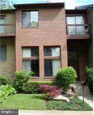 All brick contemporary townhome in sought after West Springfield district. 5 levels, the home features hardwood floors and fantastic open multilevel floor plan. Updated Kitchen, SS appliances,  spacious bedrooms walk-in closets, Multiple Balconies, fully finished walkout basement with full bath, minute to VRE,395,495. Convenient to 495 and major commuting routes. Priced below comparable sales, great as investment or starter home.