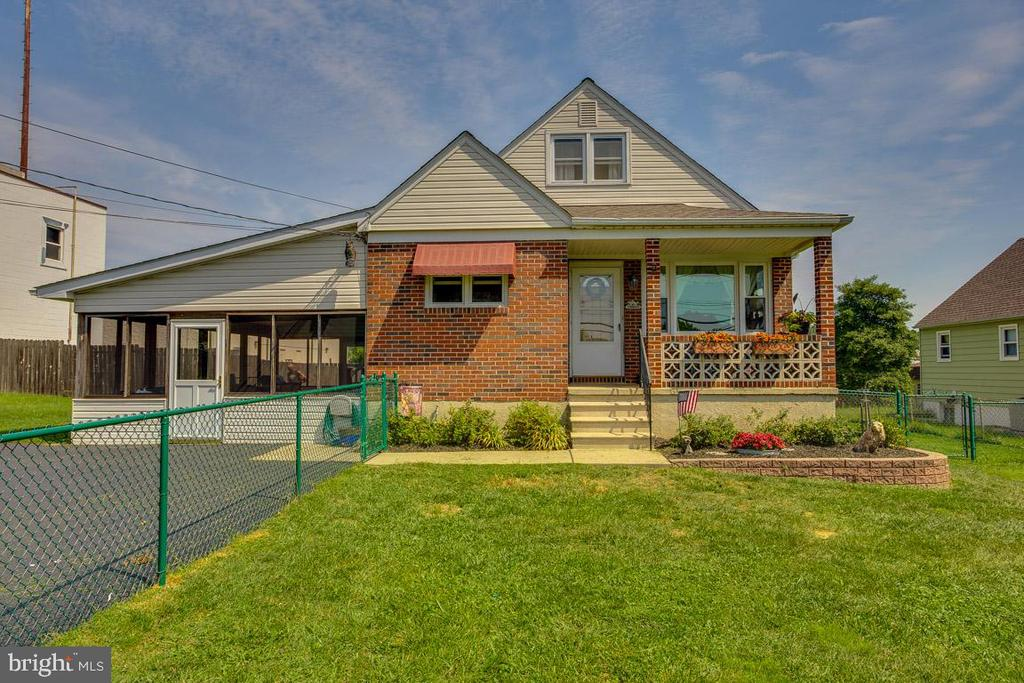 This home has been remodeled since original purchase from top to bottom.  New roof 2019; new HVAC 2016; new Hot Water Heater 2018; new Kitchen 2019; 3 New Baths 2017-2019; Refinished Hardwood flooring 2017; new windows and glass block windows lower level; new Asphalt Driveway 2019; new Sump Pump and all new screens on Side Addition.  There is nothing left to do.  The current owner has done it all.  Beautiful finishes throughout and a very nice lower level family room.  The three new baths are state of the art.  Don't miss this opportunity to live in Baltimore County close to all major roadways (695 and I95).