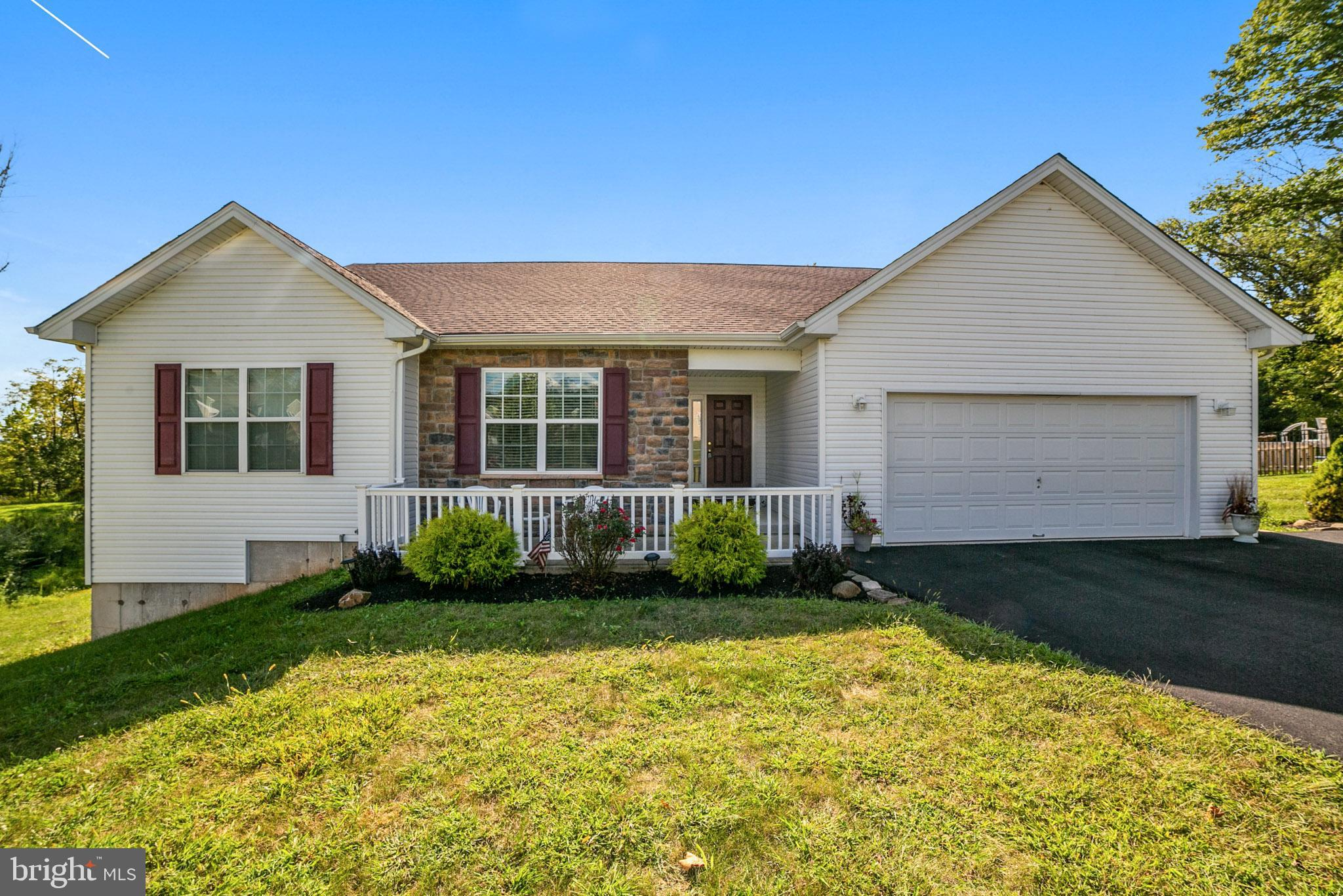 1024 VICTOR DRIVE, EAST GREENVILLE, PA 18041