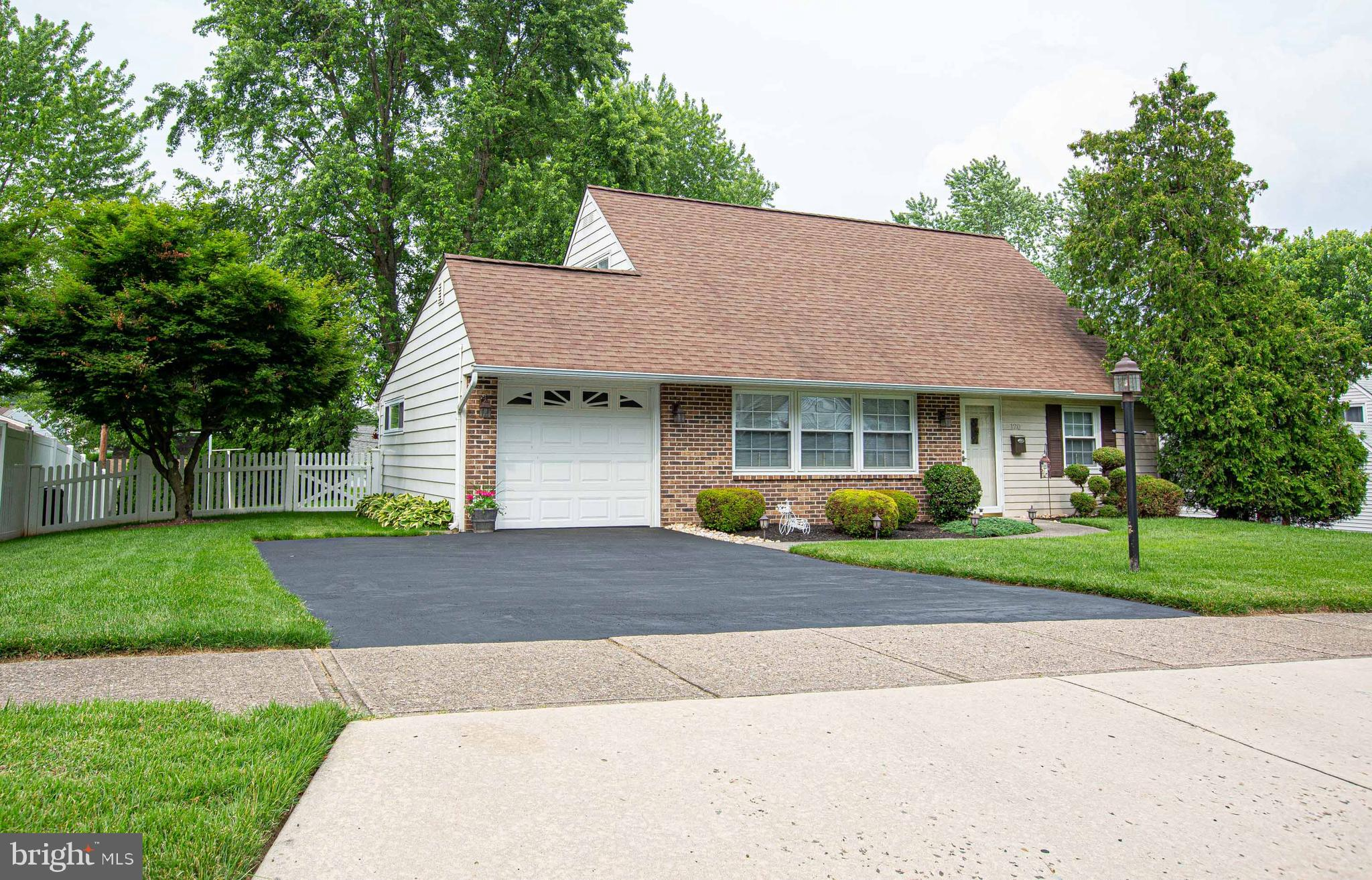 120 UPPER ORCHARD DRIVE, LEVITTOWN, PA 19056