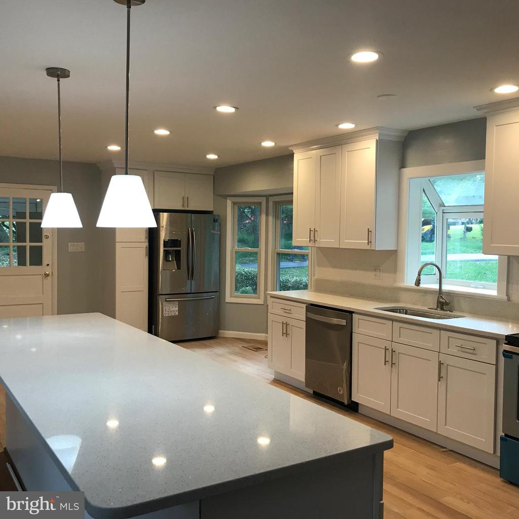 13100  CHESTNUT OAK DRIVE, Gaithersburg in MONTGOMERY County, MD 20878 Home for Sale