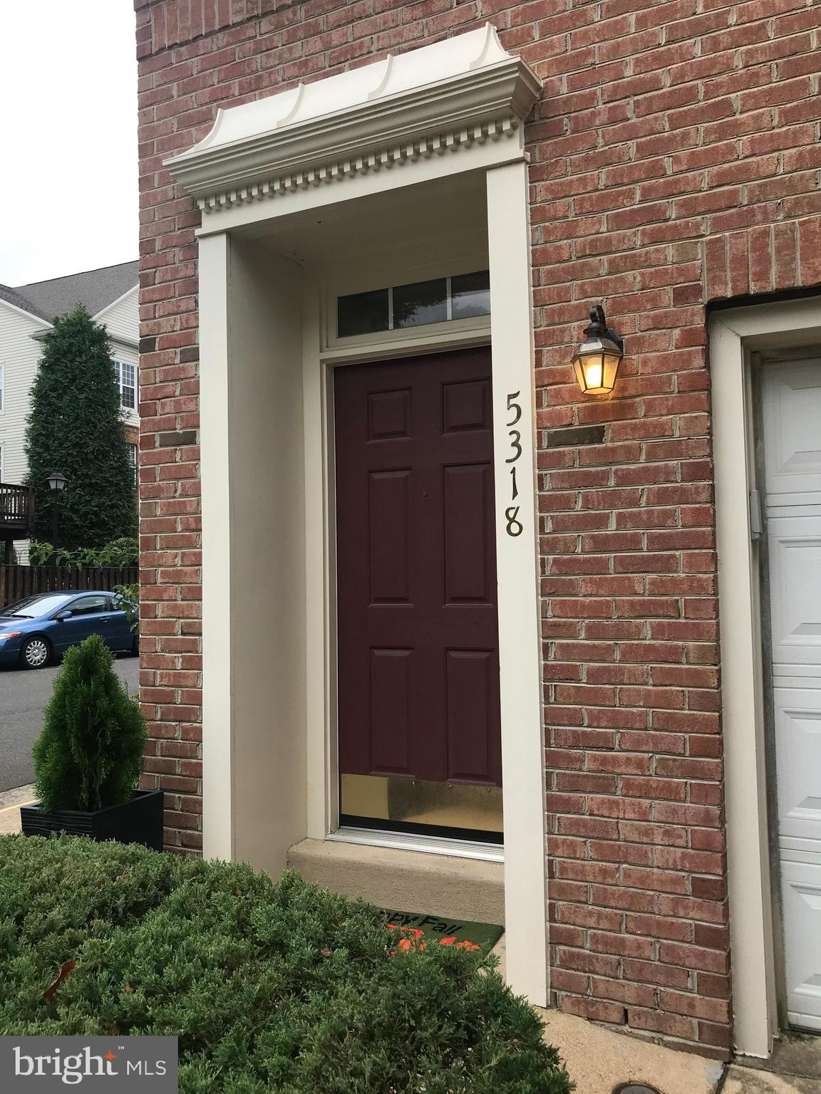 "Location is everything.  Lovely brick front town house. Bright windowed end unit with 9' ceilings in quiet tucked away community.    Spacious three bedroom, three and a half baths.  Granite countertops, stainless  steel appliances, 42"" cabinets, eat in kitchen with hardwood floors, New Laminate Floors in Dining and Living Rooms, and all new carpet and paint.  Crown molding, 2 sided gas fireplace. Great sized family room on the first floor. Fenced courtyard and larger deck, off the Living Room. Lots of recent upgrades including a new roof in 2018. So close to metro, Rt395 and Rt495.  DC, Pentagon, Crystal City (Amazon), Arlington, Tysons, you name it."