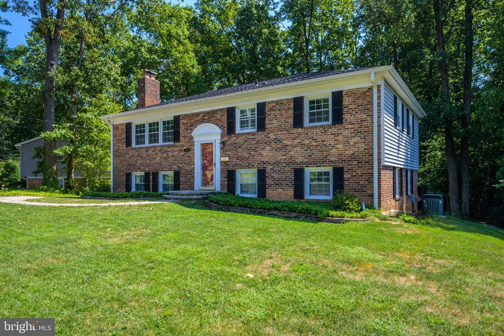 9421  WINTERBERRY LANE, Fairfax, Virginia