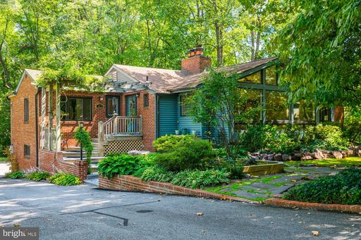 7813 Lee Ave, Alexandria, VA 22308