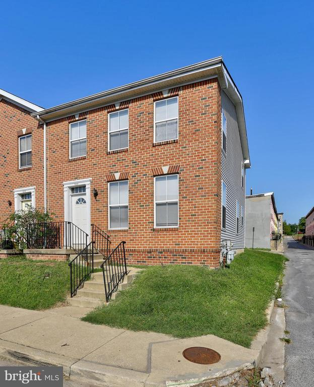 Great rental with easy access to commuter routes. Spacious 3 Bedroom, 2.5 bath home. Eat-in Kitchen and large Living Room. New Carpet! Unfinished basement. Pets case by case. Off street parking behind the house. Minimum credit score 650. Vouchers accepted