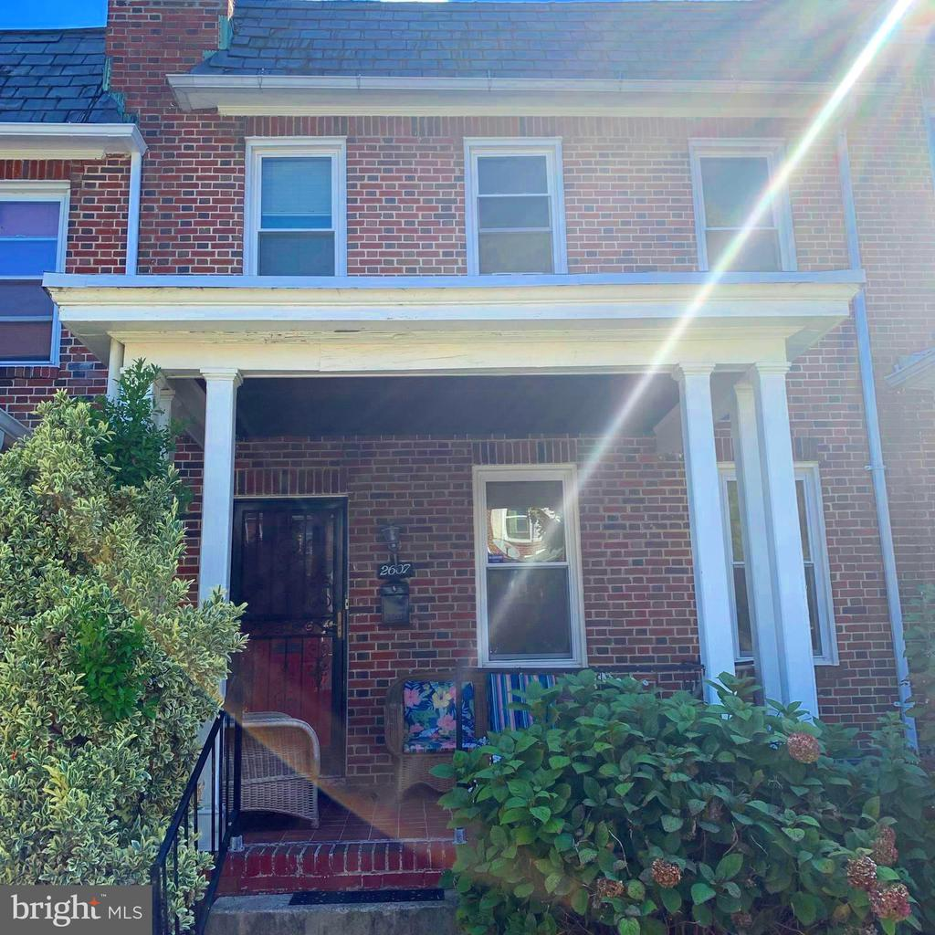 Baltimore City Brick Row Home! 3 bedrooms with Potential 4th Bedroom in Basement.  Finished Basement with recessed lighting and high ceilings. Renovated kitchen, open concept living and dining. Quiet block! Come Check it Out!