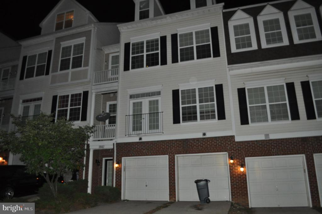 Vacant -Location, Location easy access to I-95 and Rte 1, Potomac Mill, restaurants and much more.  2 Level Condo with spacious deck off living room. Master Bedroom with 2 walk-in closets and private master bath.  Lower level  family room, 2 Bedrooms, Full bath, washer and Dryer closet, 1 car garage. Investors dream.