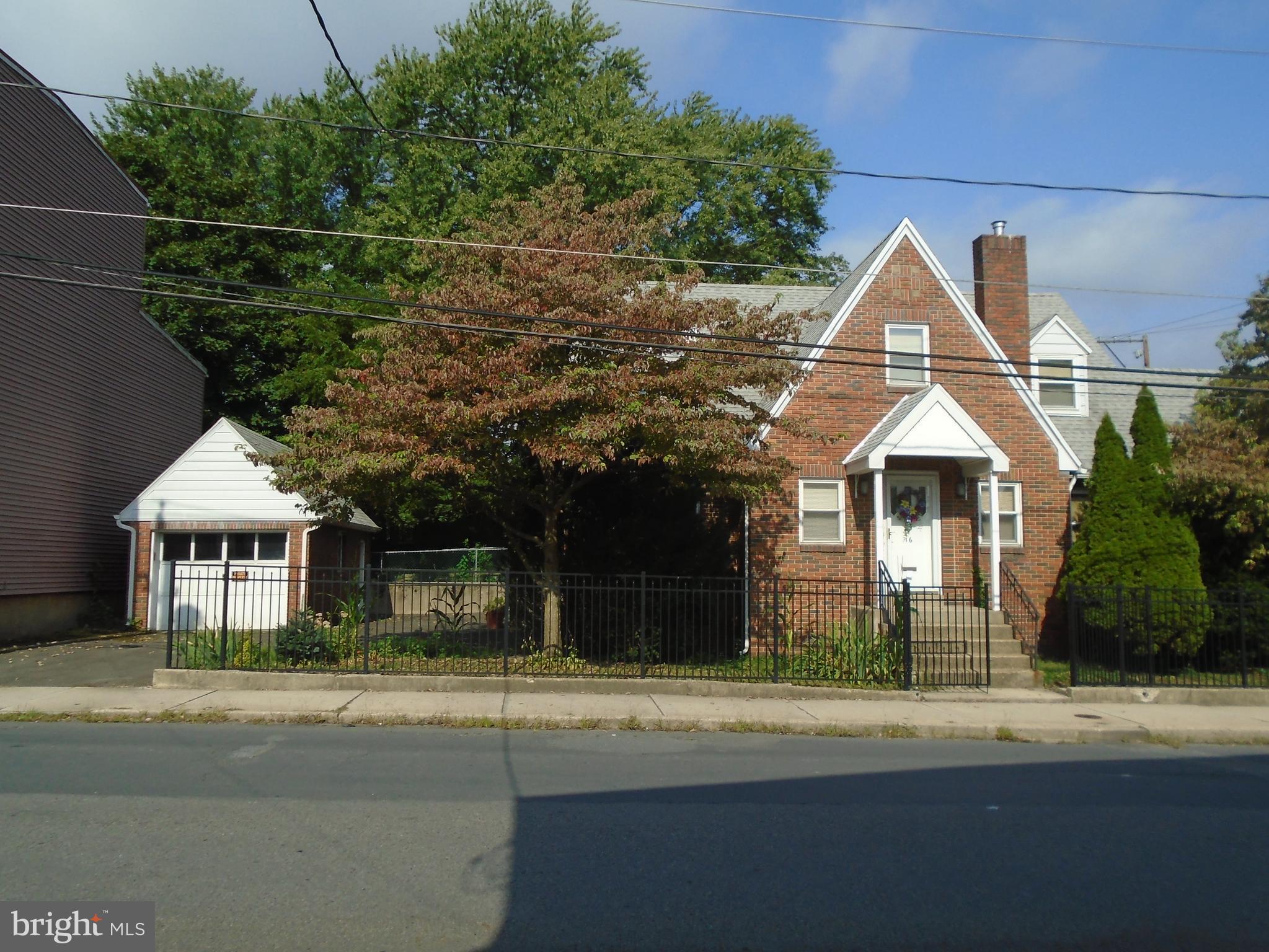 16 N FOURTH STREET, MINERSVILLE, PA 17954