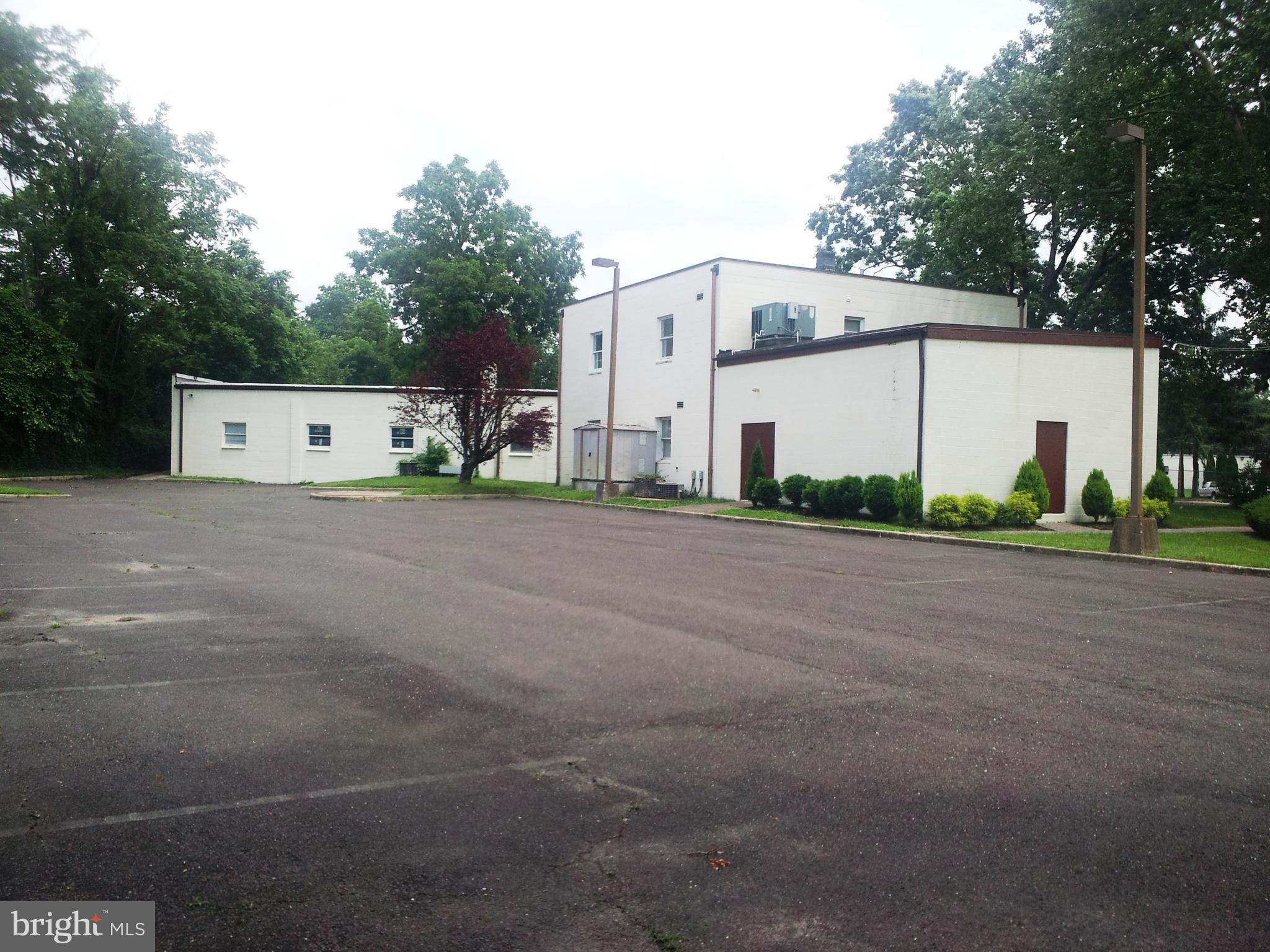 10-16 REEVES AVENUE, HAMILTON, NJ 08610