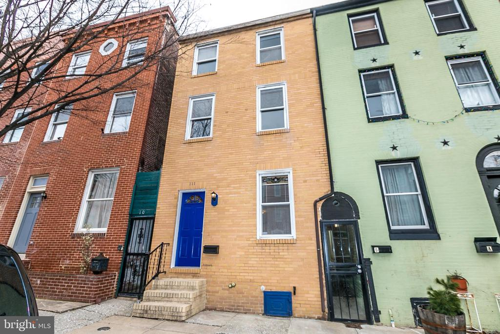 Great rental in Butchers Hill. Over 2,000 square feet, fresh paint, hardwood floors in some rooms, new carpet in others. Must use BHHS application & credit report - $35 application fee for each adult (18 or over) living in the house