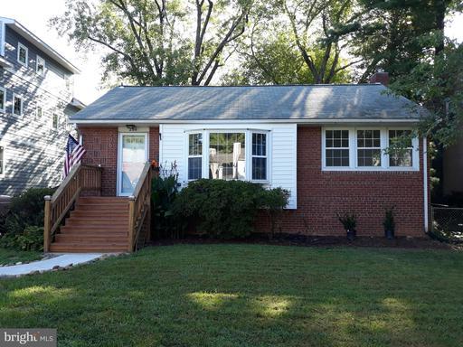206 Grove Ave, Falls Church, VA 22046