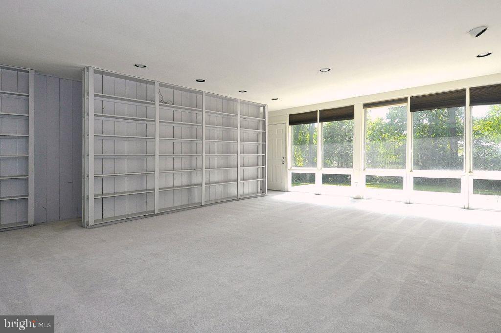 8601 ACORN CIRCLE, VIENNA, FAIRFAX Virginia 22180, 3 Bedrooms Bedrooms, ,2 BathroomsBathrooms,Residential,For Sale,ACORN,VAFX1088508