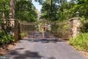 724 Clear Spring Rd
