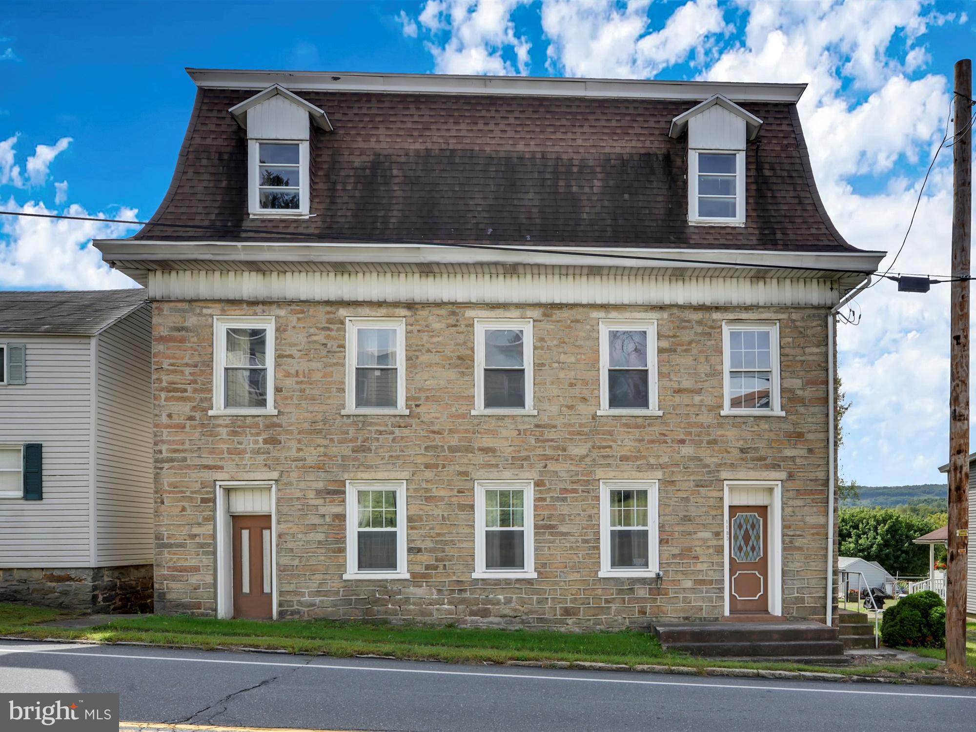 1180 BUNTING STREET, LLEWELLYN, PA 17944