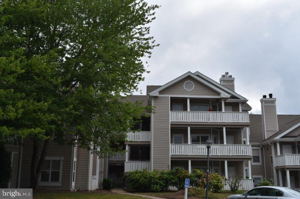 14322 Climbing Rose Way #205, Centreville, VA 20121