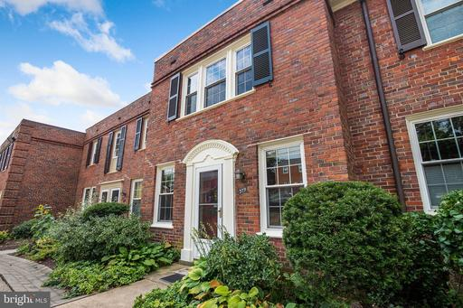 2700 13th Rd S #379, Arlington, VA 22204