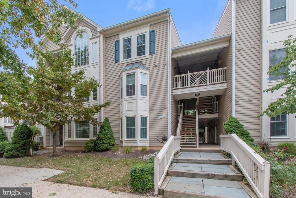 12201 Fairfield House Dr #607a