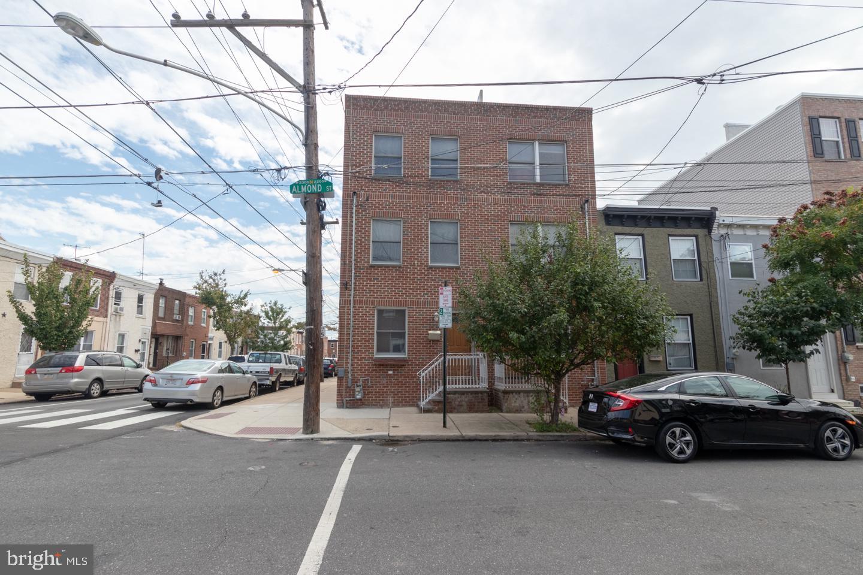 2219 ALMOND STREET, PHILADELPHIA, PA 19125