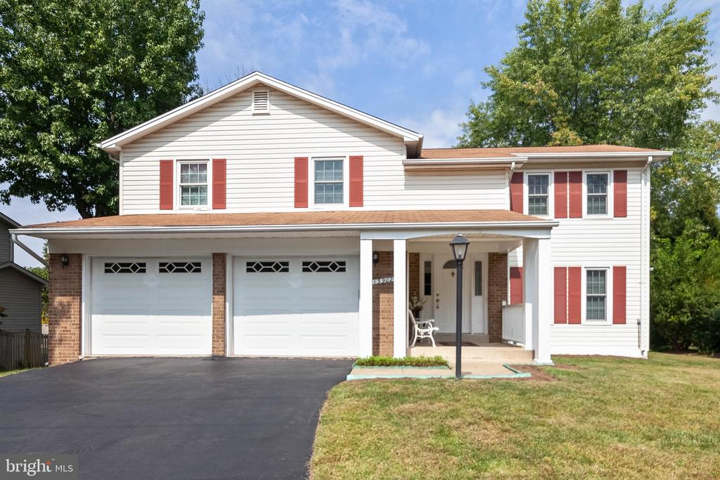 13902  POPLAR TREE ROAD,Fairfax  VA
